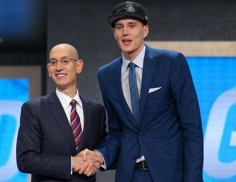 "A. Pasecniks: ""Deruosi su NBA klubais"""