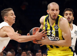 """""""Fenerbahče"""" atleistas S. Guleras sudomino kitas Turkijos ekipas"""