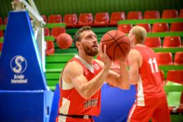 Draugiškose rungtynėse M.Runkauskas pataikė neįmanomą metimą