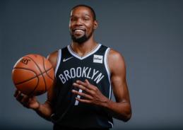 """Griūk iš juoko: NBA 2K20 žaidime užfiksuotas nerimstantis K. Duranto """"daikčiukas"""""""