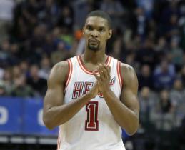 Milijonus vis dar gaunantys karjeras NBA baigę žaidėjai