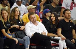 """""""Knicks"""" fanai mano, jog atkapstė slaptą ekipos savininko """"Twitter"""" paskyrą"""
