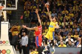 """Maccabi"" įveikė CSKA, ""Crvena zvezda"" krito namuose"