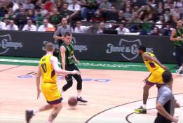 """ACB: """"Joventut"""" žaidėjas neįtikėtinai """"išdūrė"""" """"Barcelona"""" krepšininkus"""
