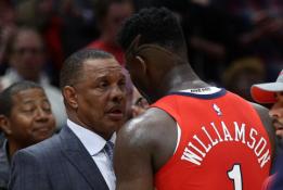 """""""Pelicans"""" treneris supyko: turime labiau """"maitinti"""" kamuoliais Z.Williamsoną"""