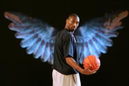 Lietuvos krepšinio garsenybės atidavė pagarbą žuvusiam K.Bryantui