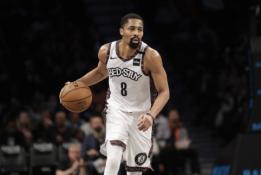 """""""Nets"""" įžaidėjas nemano, kad """"Knicks"""" artėjantį tarpsezonį sustiprės"""