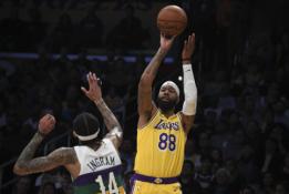 "M.Morrisas debiutavo ""Lakers"" gretose"