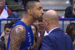 ACB: A.Limos bučinys treneriui, drebinantis B.Davieso dėjimas ir A.Tomičiaus marškinėliai