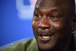 Krepšinio gerbėjai sunerimo: M. Jordanas turi rimtų problemų su sveikata?