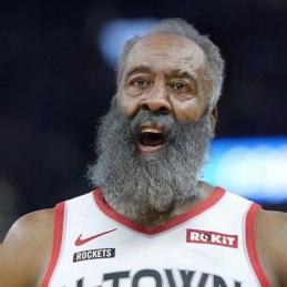 Šalia pasendintų NBA žvaigždžių fanas įterpė netikėtą žaidėją