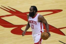 """""""Rockets"""" atnaujino derybas dėl J. Hardeno iškeitimo"""