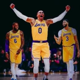"""""""Lakers"""" superkomandą galėtų sustabdyti tik viena sistema?"""