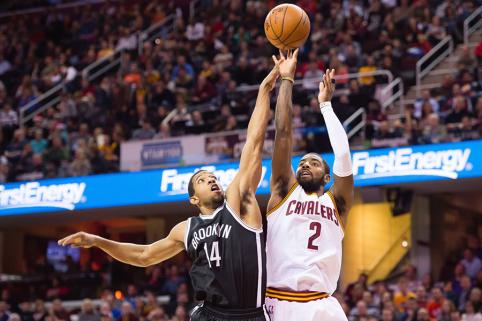 """""""Jenisėj"""" sukirto rankomis su buvusiu NBA krepšininku"""