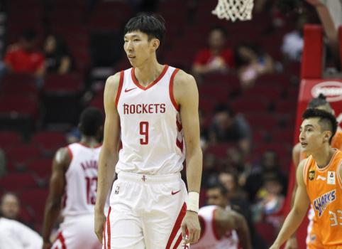 """""""Rockets"""" atleistas aukštaūgis grįžta į gimtinę"""