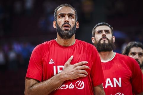 Pasaulio taurėje žibėjęs iranietis grįžta į Kiniją