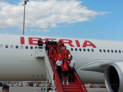 Naujuosius pasaulio čempionus Madride sutiko tūkstantinė sirgalių minia