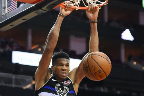 """Bucks"" lyderis pakartojo NBA legendos rekordą"
