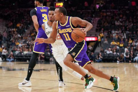 """Du svarbūs """"Lakers"""" žaidėjai praleis dvikovą su """"Bulls"""""""