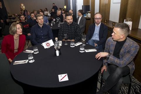 D.Adomaičio komanda laimėjo iškilmingos vakarienės protmūšio turnyrą