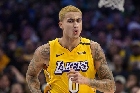 """""""Lakers"""" ruošiasi išmainyti K. Kuzmą į lygos žvaigždę?"""