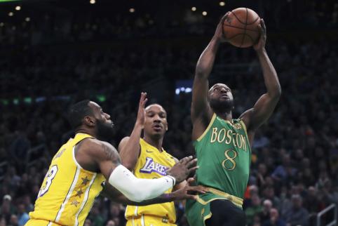 Triumfavęs K.Walkeris užbaigė neįtikėtiną savo seriją NBA