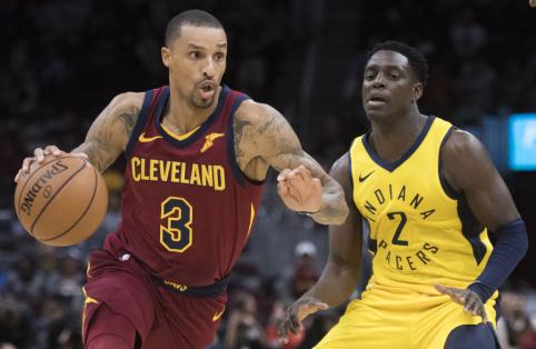 Griūk iš juoko: NBA žaidėjas negalėjo atplėšti akių nuo apvalių formų fotografės