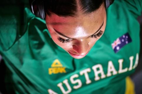 Australijos moterų rinktinė pristatė itin seksualią žaidynių aprangą