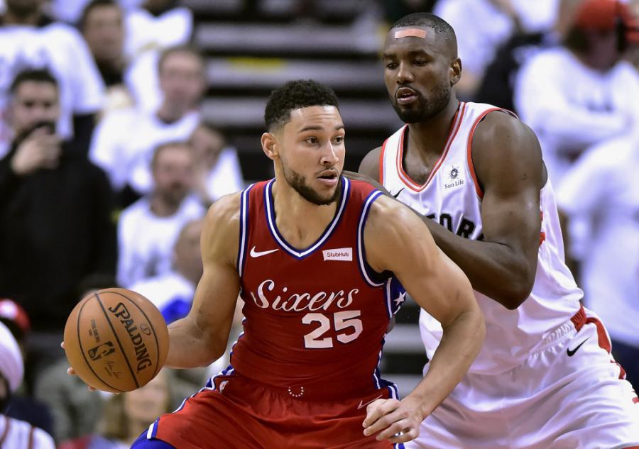 """B. Brownas: """"B. Simmonsas gali tapti geriausiai besiginančiu žaidėju NBA"""""""