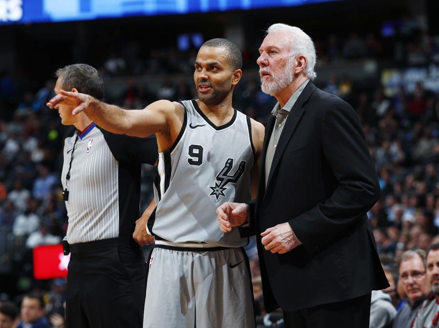 """""""Spurs"""" iškels T.Parkerio marškinėlius"""