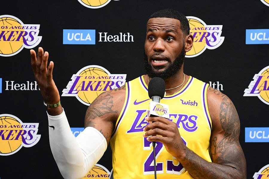 L.Jamesas prakalbo apie didžiausius NBA tarpsezonio laimėtojus