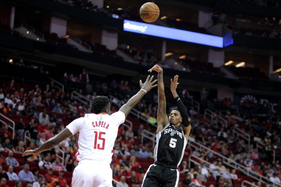 """""""Spurs"""" ilgam išlaikė jauną įžaidėją"""