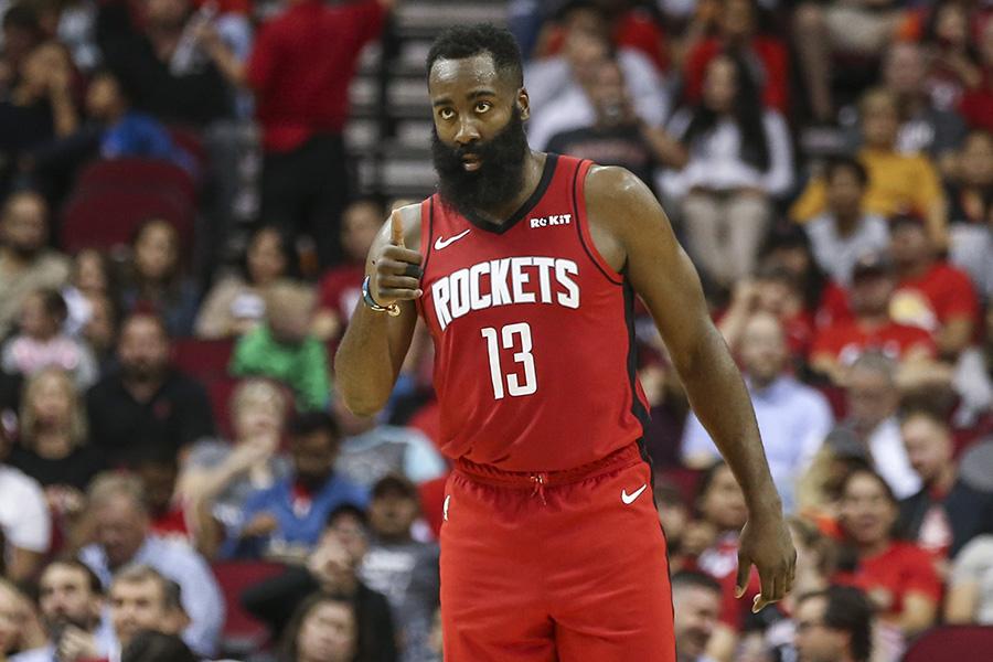 """Baudas provokavęs J.Hardenas padovanojo pergalę """"Rockets"""""""