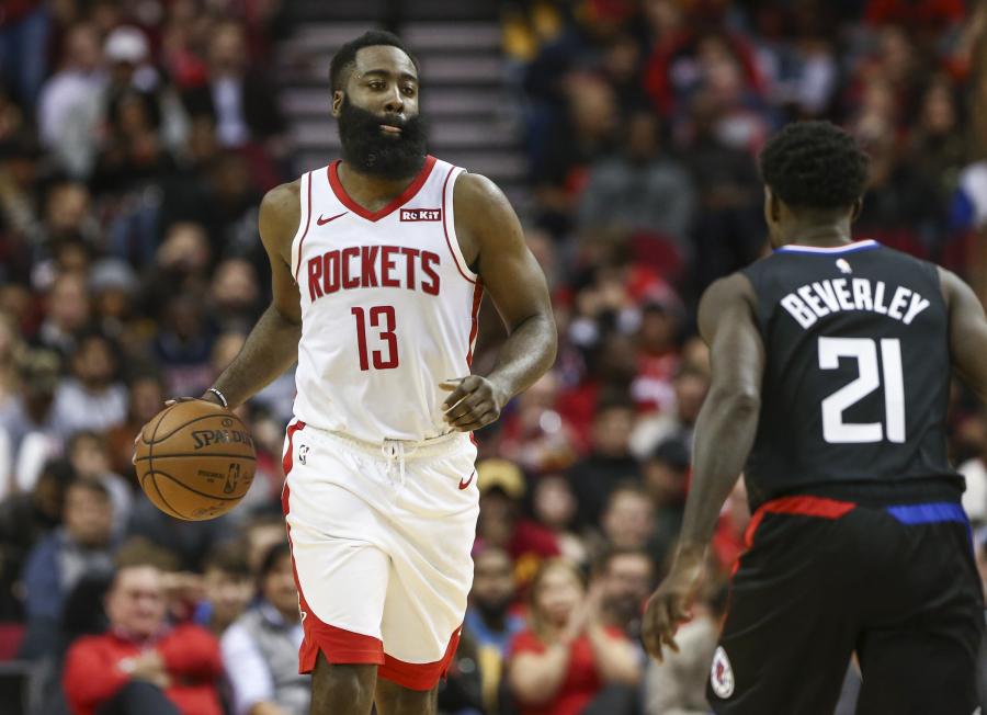 """Siautėjęs J.Hardenas nuliūdino """"Clippers"""" ekipą"""