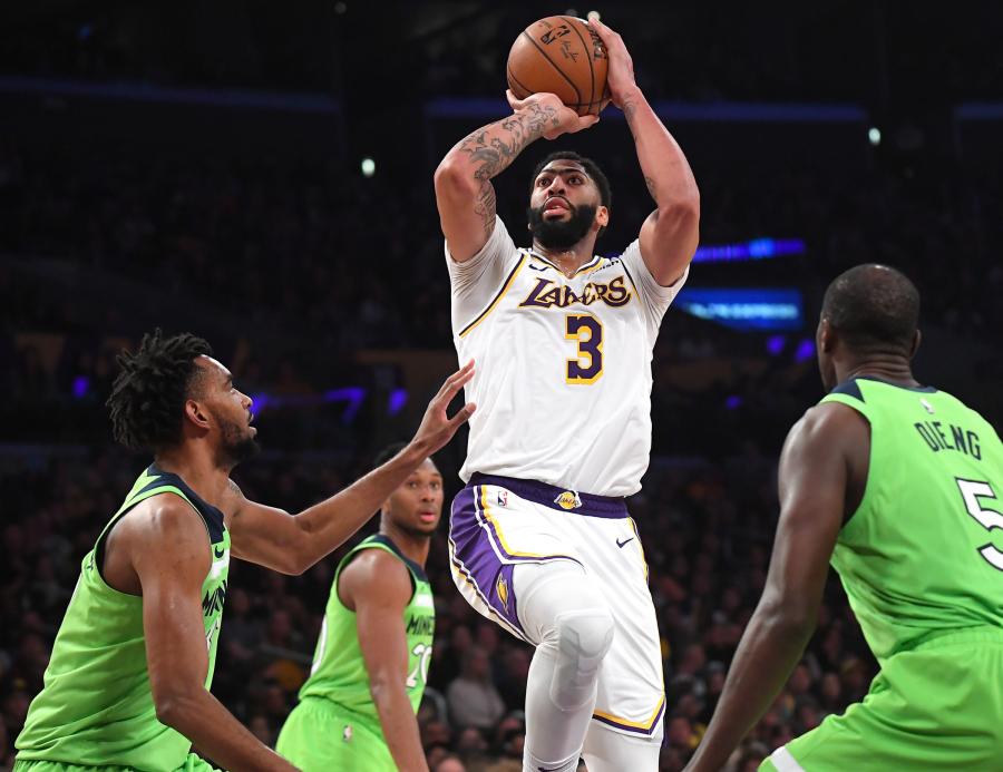"""NBA savaitės žaidėjai - """"Heat"""" ir """"Lakers"""" lyderiai"""