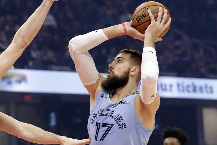 """Valančiūnas pagerino NBA rekordą, tačiau """"Grizzlies"""" krito namuose"""
