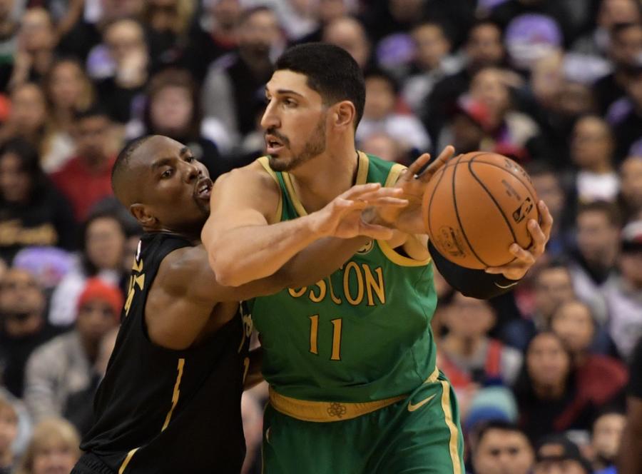 """""""Celtics"""" išvykoje netikėtai lengvai įveikė NBA čempionus"""