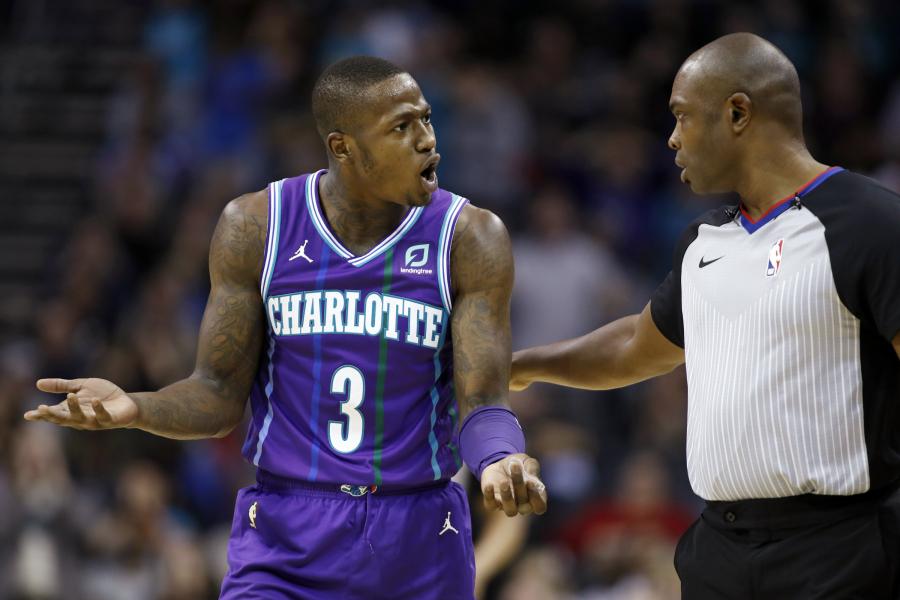Dviems NBA krepšininkams teks gerokai paploninti pinigines