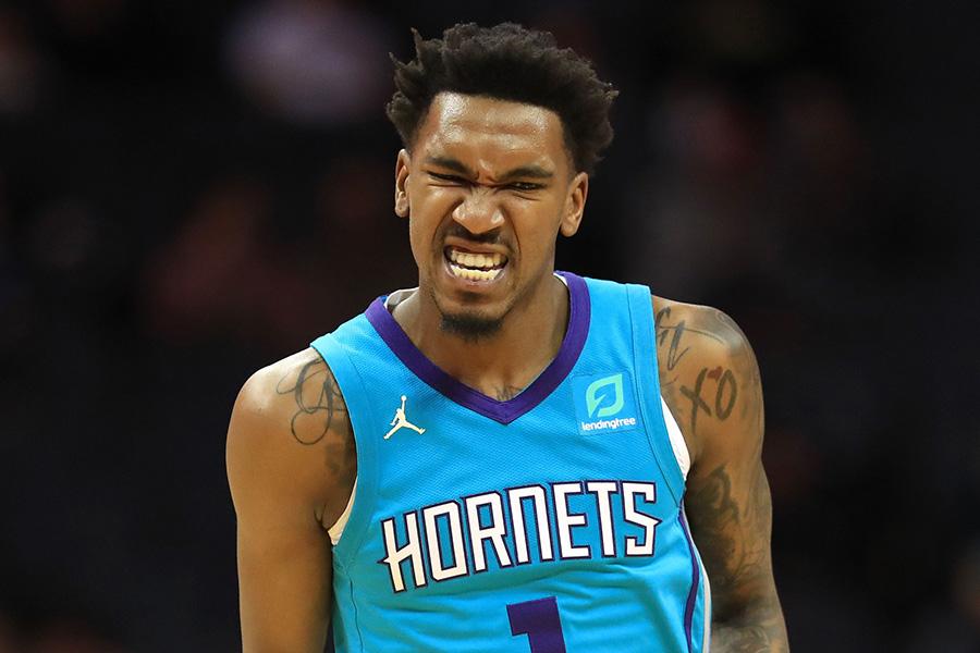 """NBA suspendavo """"Hornets"""" gynėją"""