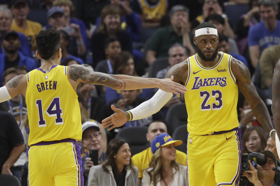 """""""Lakers"""" rungtynėse su """"Thunder"""" versis be L.Jameso ir D.Greeno, abejojama, ar pasirodys A.Davisas"""