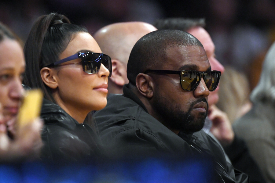 Kim Kardashian ir Kanye Westas stebi NBA rungtynes