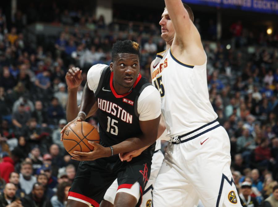 """""""Hawks"""" siekia sustiprinti vidurio puolėjo poziciją"""
