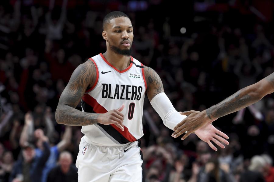 Nesustabdomas D.Lillardas ir puikus J.Brownas - NBA savaitės žaidėjai
