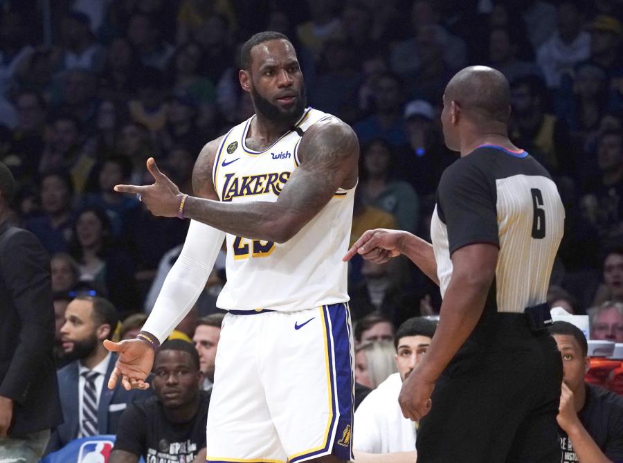 """Po """"Lakers"""" pergalės - diskusijos dėl teisėjų pagalbos"""